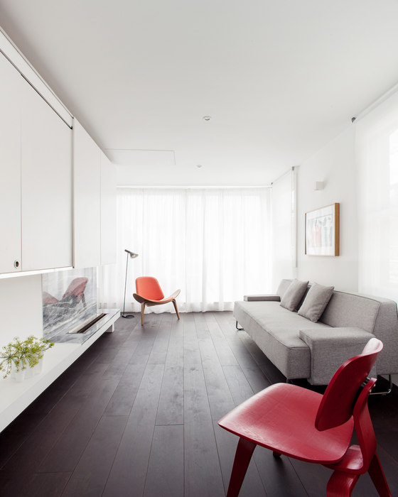 Apartment in Ambergate Street by Francesco Pierazzi Architects | Living space