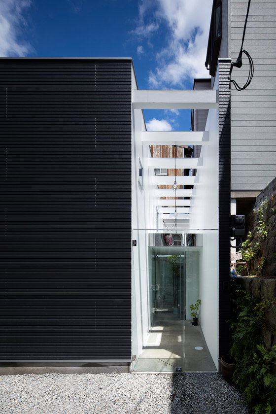 Shoji Screen House by Yoshiaki Yamashita Architect & Associates | Semi-detached houses