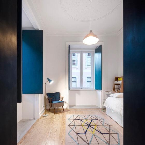 Chiado Apartment by Fala Atelier | Living space