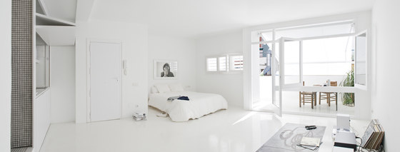 The White retreat by CaSA - Colombo and Serboli Architecture | Living space