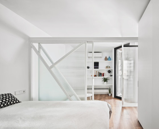 Apartamento Sardenya by Raul Sanchez Architects | Living space