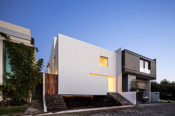 The Cave by Abraham Cota Paredes Arquitectos | Semi-detached houses