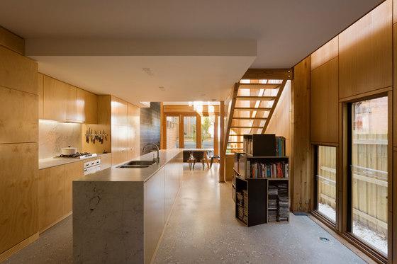 Kensington Lighthouse by TANDEM Design Studio | Detached houses
