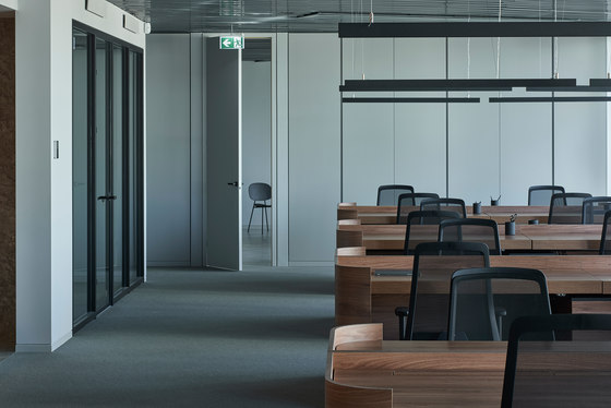 Green Hall 2 Top floor offices by AKTA | Office facilities
