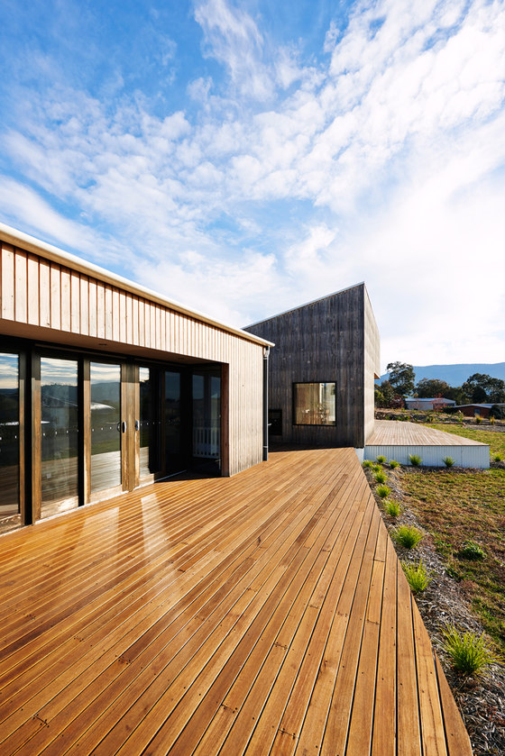 Archer Family Residence by Kuhnellco architecture | Detached houses