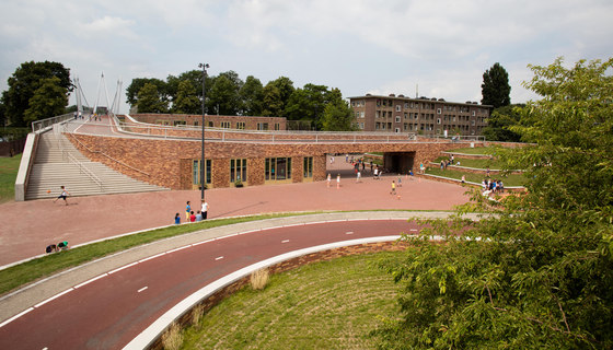 Dafne Schippersbridge and OBS Oog in Al von NEXT architects | Bridges