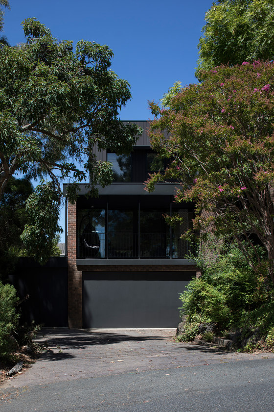 Ruffey Lake House by Inbetween Architecture | Detached houses