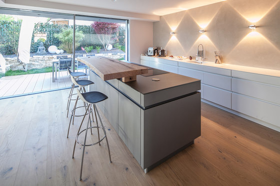 PD by BESPOKE   Living space