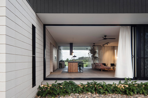 Inverdon House by Chloe Naughton | Detached houses