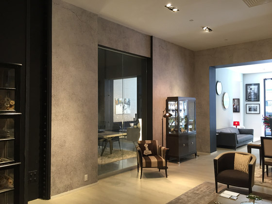 Roche bobois manhattan showroom by tecnografica reference for Muebles roche bobois