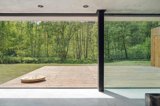 House JRv2 by Studio de.materia | Detached houses