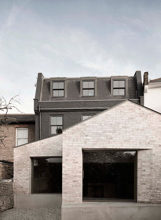 Kew House by McLaren Excell | Detached houses