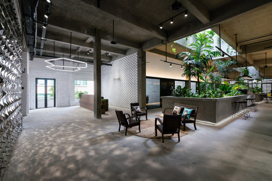 Jungle Station by G8A Architecture & Urban Planning | Office facilities