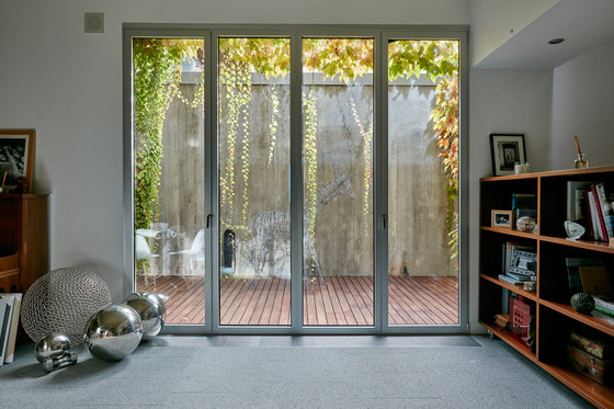 House in soto del real by alberich rodr guez arquitectos for Interior y exterior en ingles