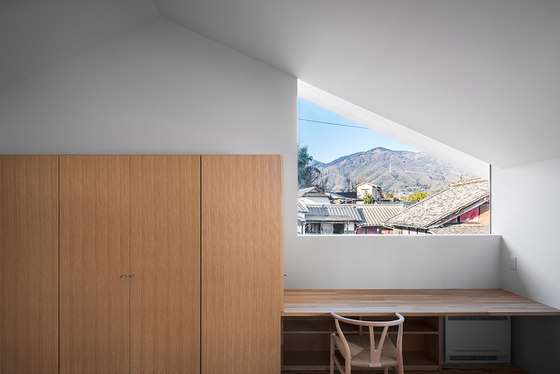 House in Ohue by Daisaku Hanamoto Architect & Associates | Detached houses