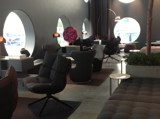 Quality Hotel Friends by B&B Italia   Manufacturer references