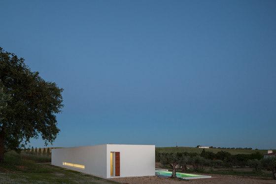 Ring house by Vasco Cabral + Sofia Saraiva Architects ...