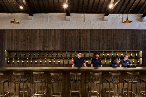 Cockburn's Port Lodge by Branca-Lisboa | Manufacturer references