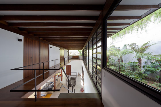 Tijucopava House by AMZ Architects | Detached houses