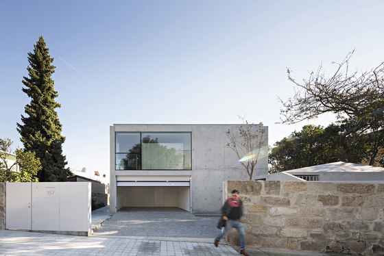 House in Serralves by Joao Vieira Campos | Detached houses