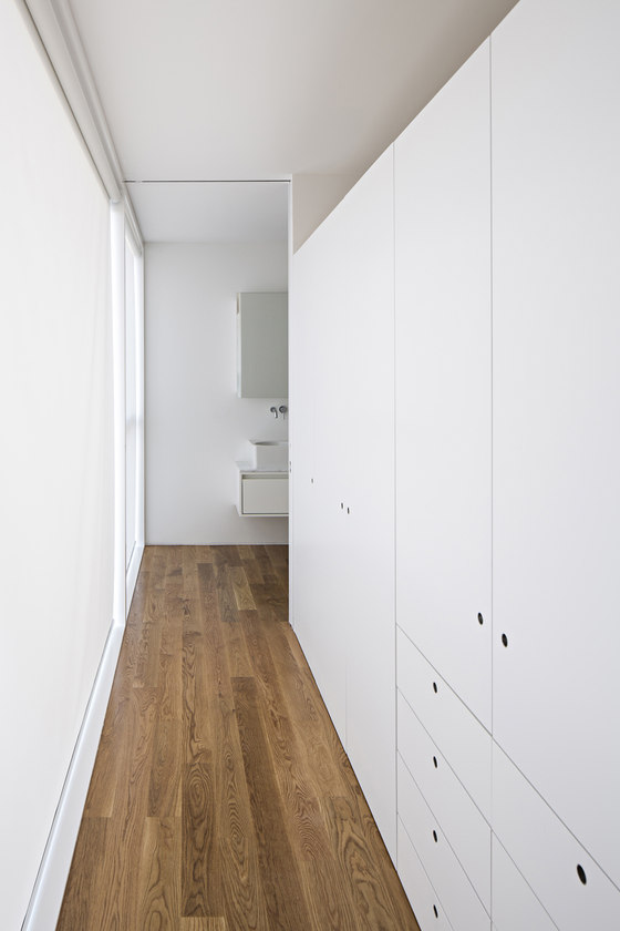 House in Serralves by Joao Vieira Campos   Detached houses