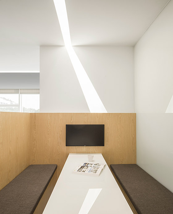 A Space Cut by Light by Feeling design |