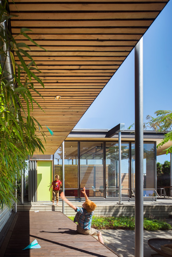Grasshopper Studio and Courtyard by Wittman Estes Architecture + Landscape | Detached houses