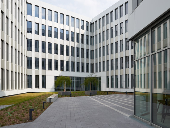 Silberkuhlsturm – Ista Company Headquarters by Baid | Office buildings
