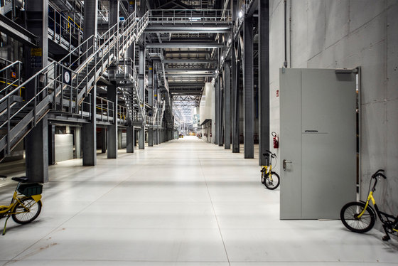 Plaxil 8 Manufacturing Building Osoppo by Valle Architetti Associati | Industrial buildings