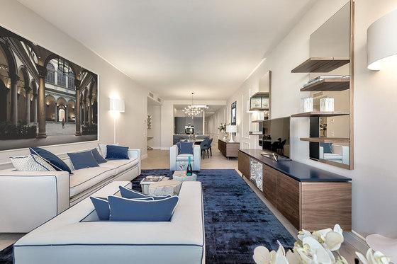 Ponte Vecchio Apartment by Pierattelli Architetture | Living space