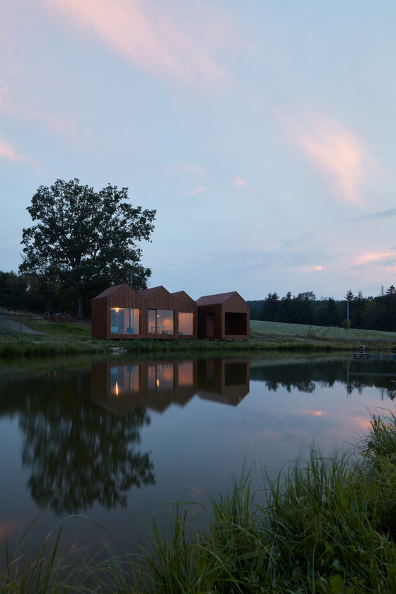 Cottage Near a Pond by Atelier 111 architekti | Detached houses
