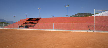 La Veyre et l'endroit du tennis | Sports facilities | M+V merlini & ventura architectes