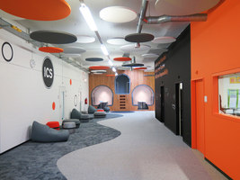 Inter-Community School Zurich | Office facilities | Evolution Design