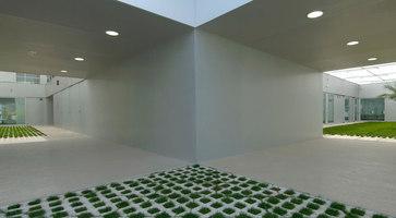 Edificio De Investigacion Entre Limoneros | Verwaltungsgebäude | Subarquitectura