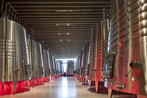 Foster + Partner's first winery | Construcciones Industriales | Foster + Partners