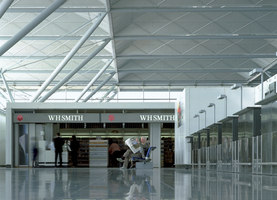 Stansted Airport | Aeropuertos | Foster + Partners