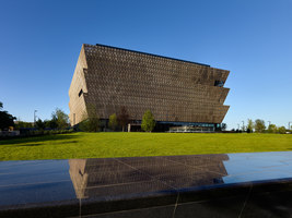 Smithsonian NMAAHC | Musées | Adjaye Associates