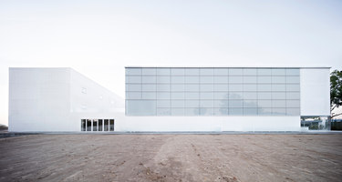 Multi-sport Pavilion And Classroom Complex | Sports facilities | Alberto Campo Baeza