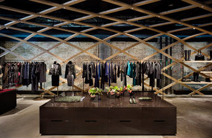 Hugo Boss Special Concept Store | Shops | Matteo Thun & Partners