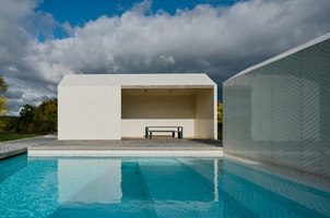 Parquet Patterned Pool and Spa | Piscine all'aperto | Claesson Koivisto Rune