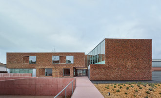 Housing for elderly people in Huningue | Asili nidi/Scuole materne | Dominique Coulon & Associés