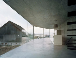 House with one wall | Detached houses | Christian Kerez