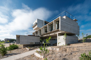 Golf House | Detached houses | Luciano Kruk