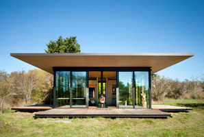 False Bay Writer's Cabin   Detached houses   Olson Kundig