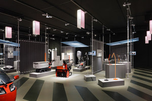 Conzept and layout of the dieForm exhibition at the stilhaus | Stands de feria | Bureau Hindermann