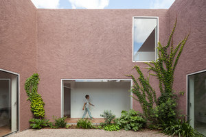 Three Courtyard House | Semi-detached houses | Extrastudio