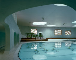 Feng Shui Swimming Pool | Piscines couvertes | Mikou Studio
