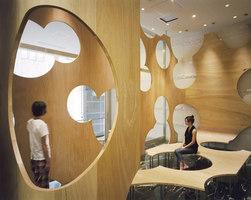 BOOLEAN (Tokyo University Tetsumon Cafe) | Caffetterie - Interni | TORAFU ARCHITECTS