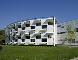 Dynamic facade (Kiefer technic showroom) | Office buildings | Ernst Giselbrecht + Partner