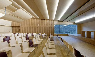 Grund-und Musikschule St. Walburg | Schools | S.O.F.A. Architekten